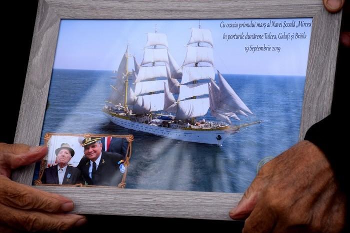 Căpitanul veteran de război Dumitru Burlacu, sărbătorit de militarii Flotilei Fluviale la împlinirea a 96 de ani