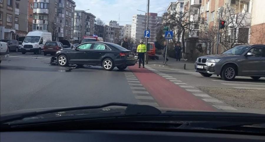 Accident cu două mașini și o bicicletă la Intim