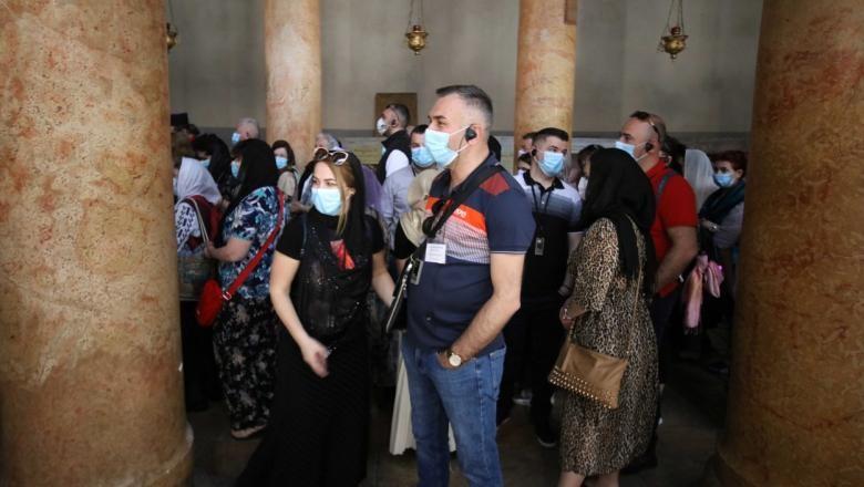 Se interzic adunările cu mai mult de 100 de persoane. Noi măsuri radicale luate de România