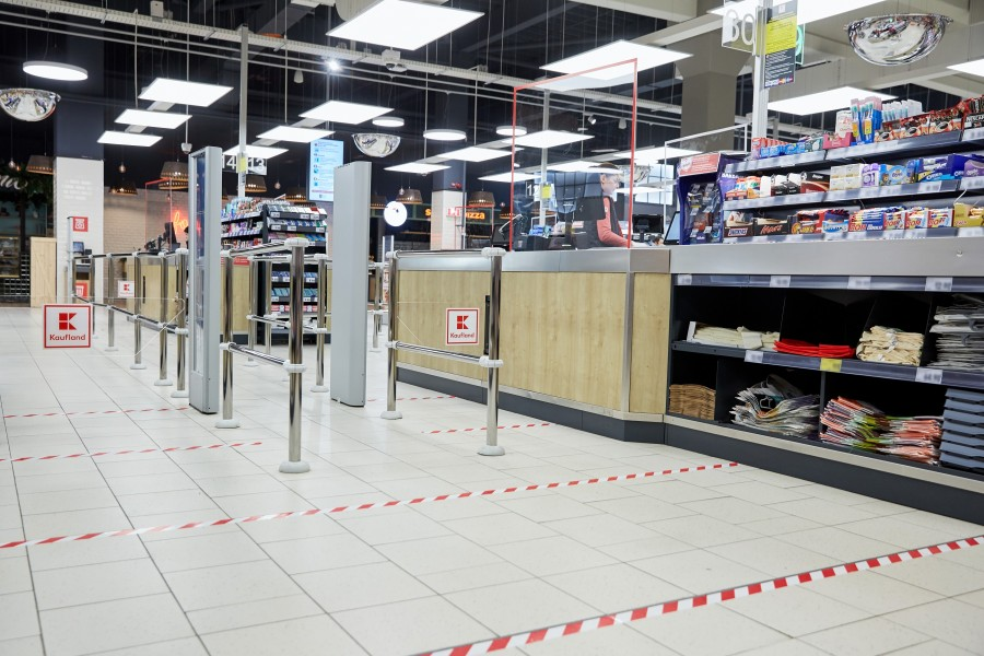 Kaufland anunță NOI măsuri de protecție și instalează GEAMURI de protecție la casele de marcat Inbox
