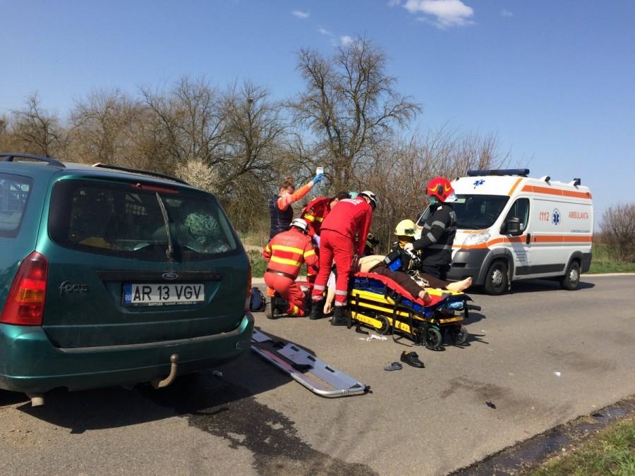 Accident mortal la ieșire din Zimadu Nou: un Ford a intrat într-un copac