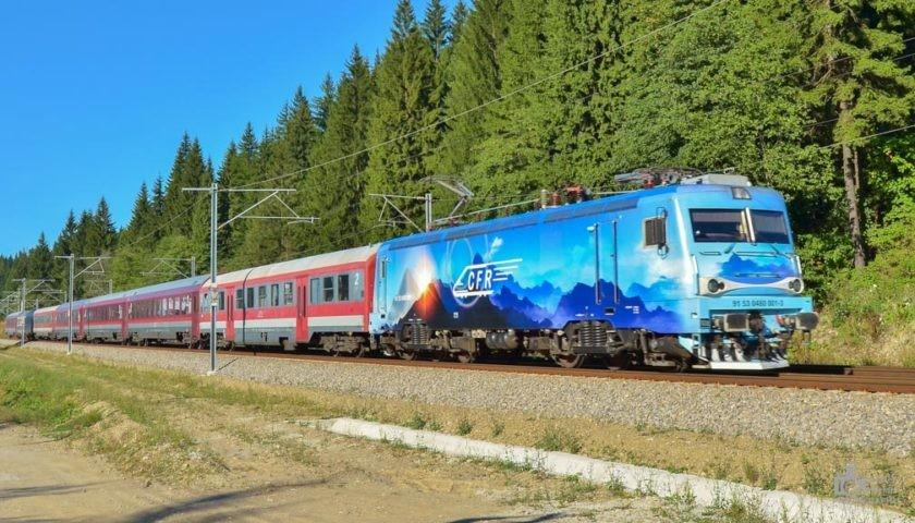 CFR Călători introduce 11 trenuri suplimentare la noile ore de vârf. Alte 100 de trenuri de weekend, suspendate temporar