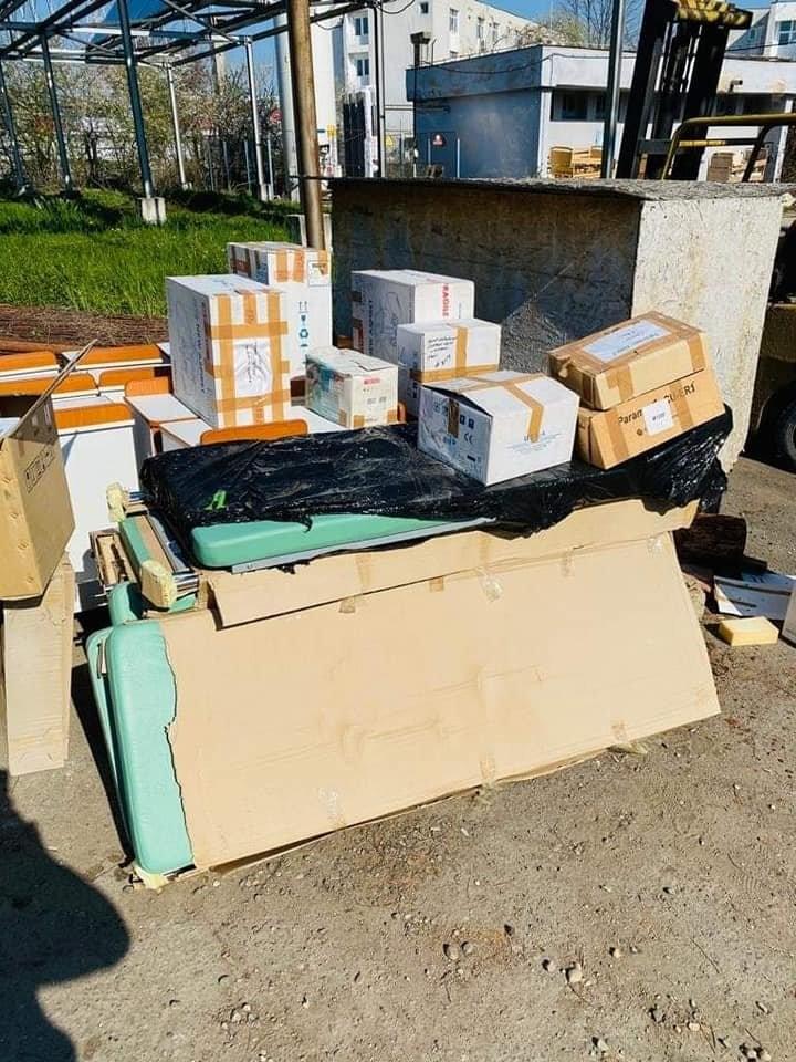 Mobilier și aparatură medicală donate Spitalului Județean de o firmă din Arad; urmează 500 de teste rapide