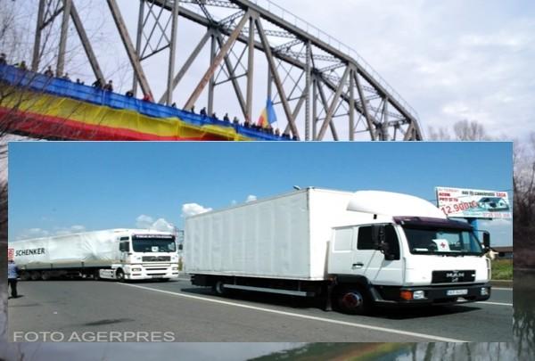 Ajutor pentru românii de dincolo de Prut. Un convoi de 20 de camioane cu echipamente sanitare pleacă la Chișinău