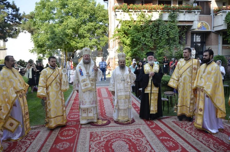 PS Emilian Crișanul, în Cetatea Devei: Să fim apostoli ai Bisericii Ortodoxe în familie, comunitate și lume!