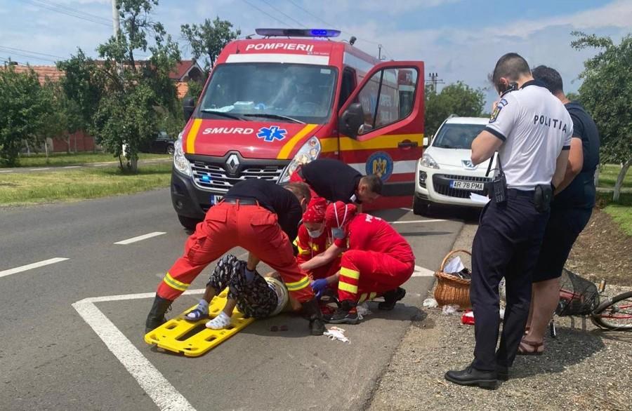 Femeie accidentată grav pe trecerea de pietoni de către un VW condus de un șofer cu brațul stâng paralizat