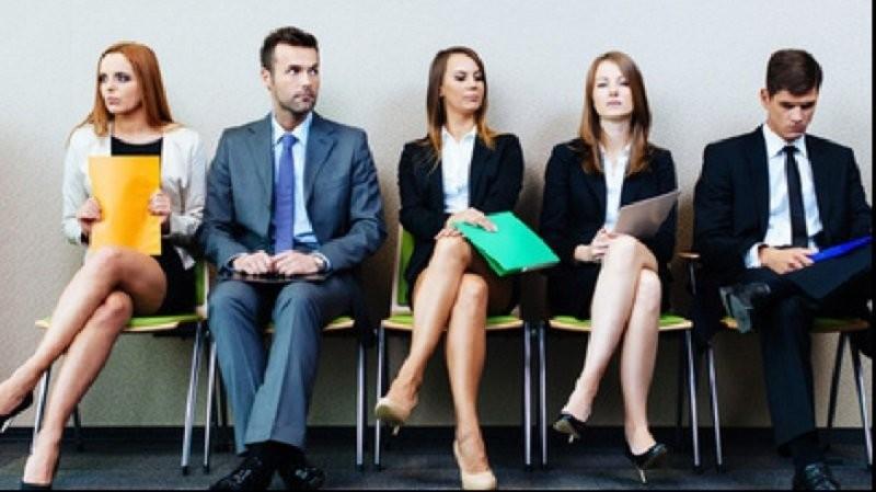 Impact COVID-19: Unul din cinci angajați români se gândește să-și schimbe jobul