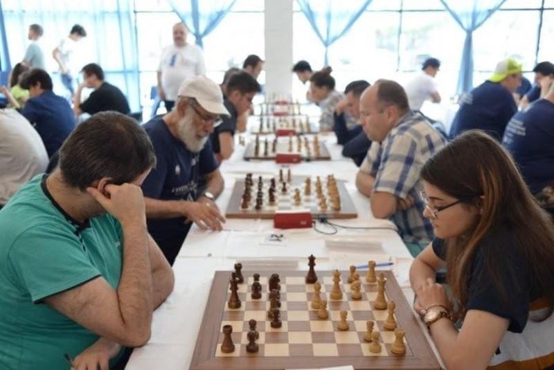 """Primul turneu internațional de șah din România, organizat în """"era Covid-19"""", începe joi la Arad"""