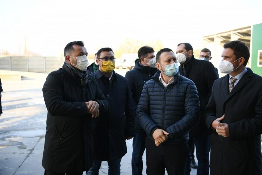 ALVI SERV SRL, cea mai mare societate de neutralizare a deșeurilor de origine animală cu capital integral românesc, a fost vizitată de ministrul Mediului