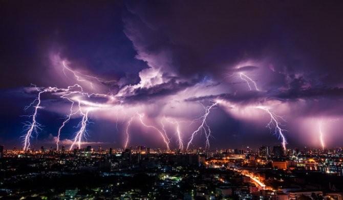 Alertă de călătorie pentru Spania. Au fost emise coduri portocaliu şi galben de furtună şi vânt