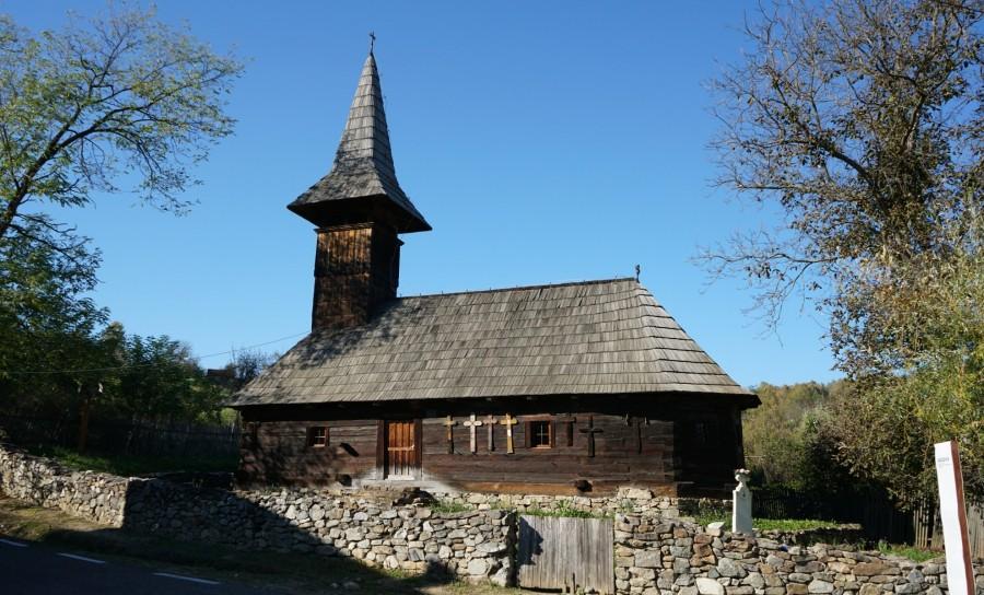 """Bisericile de lemn din județ, incluse în """"Turismul de o zi"""" inițiat de CJA în parteneriat cu Arhiepiescopia Aradului"""