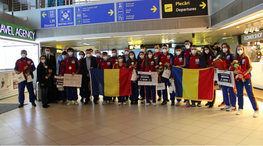 Delegația României de sabie cadeți și juniori a adus în țară medaliile de la Campionatele Mondiale de Scrimă  Juniori și Cadeți – Cairo 2021