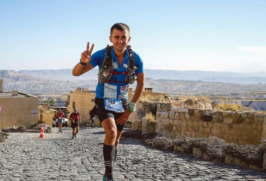 Oameni și fapte. Vlad Pop urcă pe cel mai înalt munte din Europa pentru copiii bolnavi de cancer