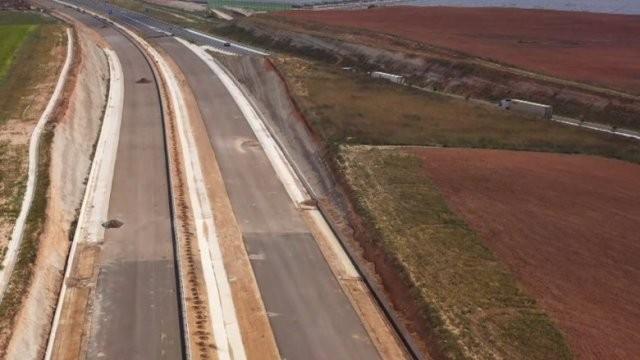 Autostradă construită cu... cenuşă în loc de ciment; vezi unde se întâmplă acest lucru