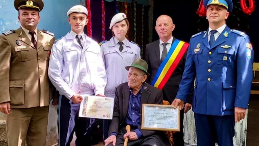 Veteranul de război Aurel Rusu împlinește astăzi 100 de ani