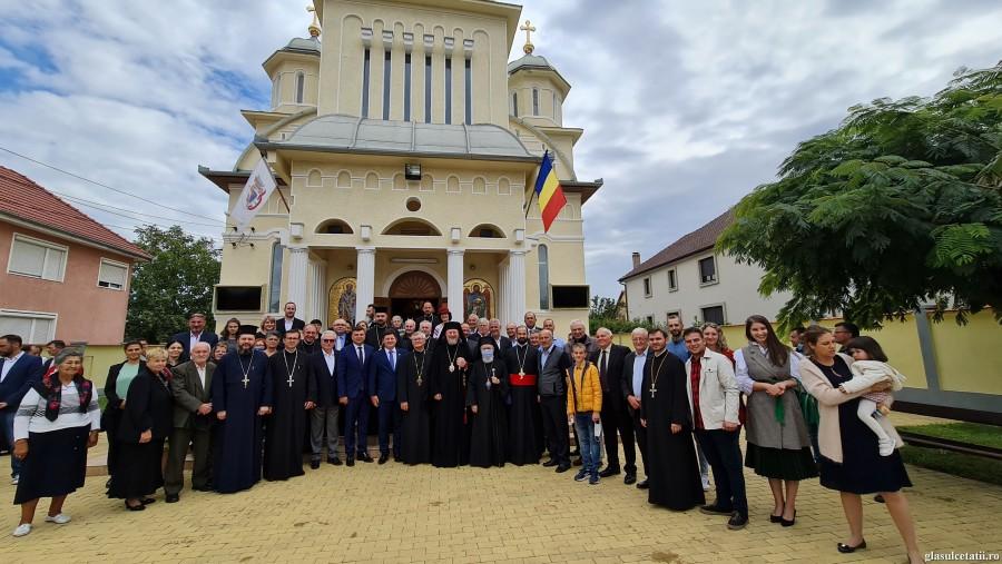 """(FOTO) Părintele Arhidiacon Mircea Preoteasa a fost hirotonit întru preot pentru Parohia """"Nașterea Sf. Ioan Botezătorul"""" din Arad - Bujac"""