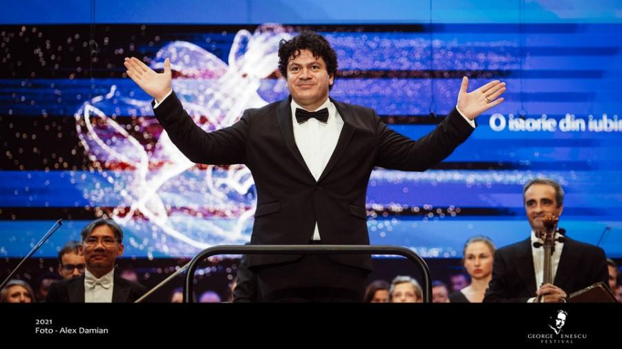 Cristian Măcelaru, directorul Orchestrei Naţionale a Franţei, va înregistra integrala lucrărilor enesciene