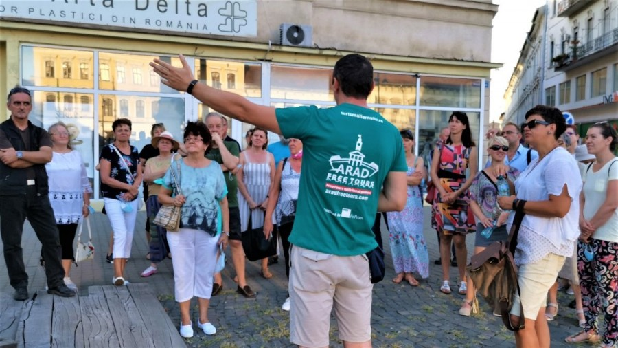 Vorbitorii de maghiară din Arad sunt aşteptaţi duminică la un tur al municipiului (FOTO)