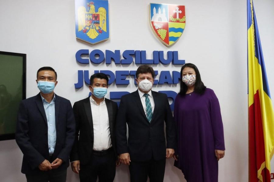 Delegație a Casei Româno-Chineze, în vizită la Consiliul Județean