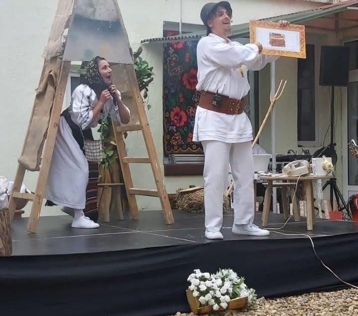 """Trupa Marionete Arad prezintă duminică spectacolul """"Prostia omenească"""""""